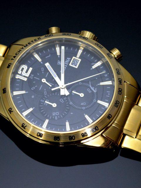 Gravírované hodinky